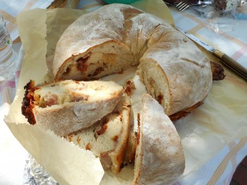 pain couronne  tomates séchées-jambon