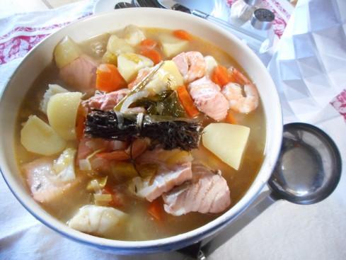 Pot au feu de poisson la cuisine de bulle for Poisson cuisine
