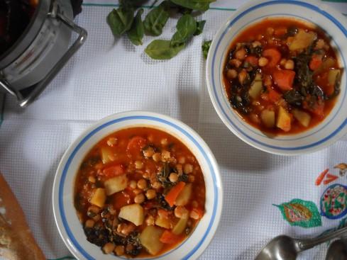 soupe épicée pois chiches tomates épinards