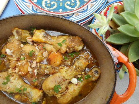 tajine de poulet aux abricots, raisins,amandes et cachuètes 2