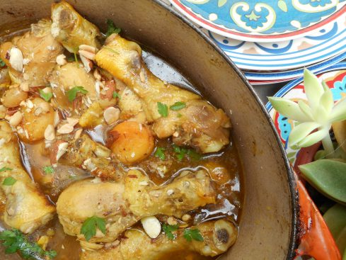 tajine de poulet aux abricots, raisins,amandes et cachuètes 3
