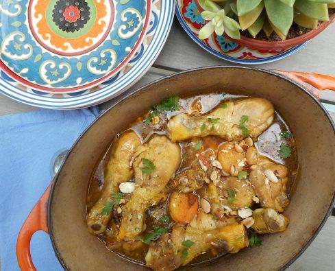 tajine de poulet aux abricots, raisins,amandes et cachuètes